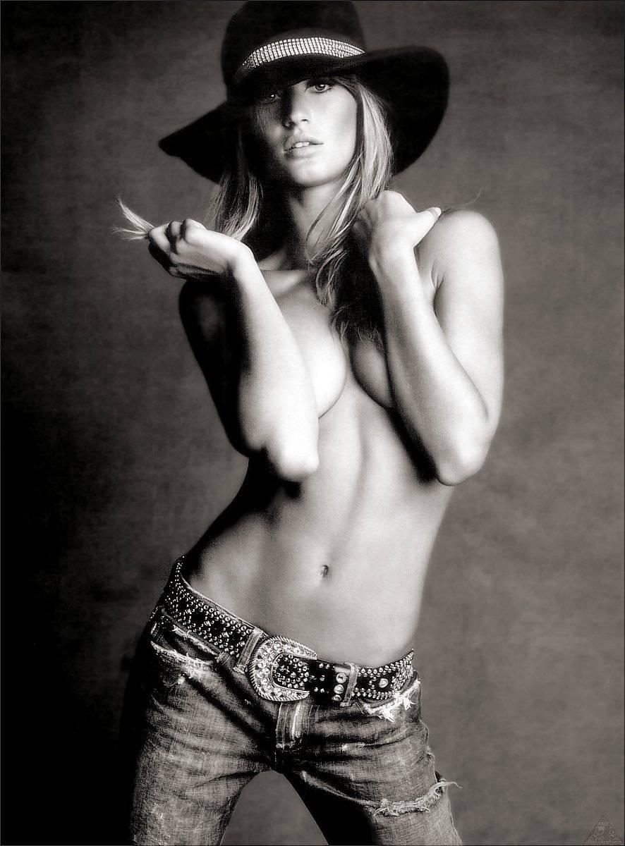 Giselle Bundchen sexy gallery
